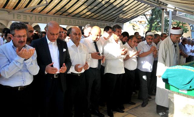 Arif Balduk dualarla defnedildi