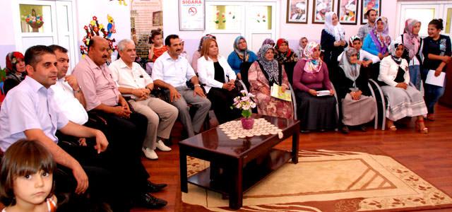 Kahramanmaraş'ta Ana-Kız Okuldayız okuma-yazma kursu sertifika töreni