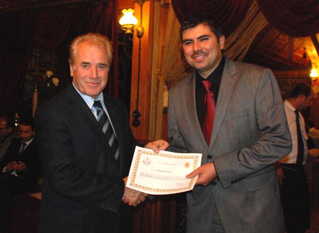 Vali Şükrü Kocatepe, Gönüllü Öğretmenleri Ödüllendirdi