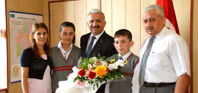 Öğrenciler Milli Eğitim Müdürü Alkan'ı ziyaret etti