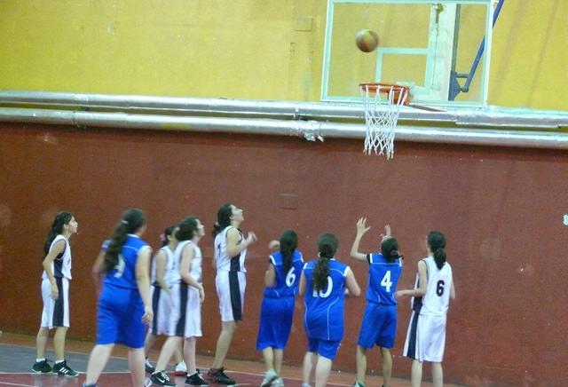 Ortaokullar Arası Yıldız Kızlar Basketbol il Birincisi Yine Özel Özderya Ortaokulu