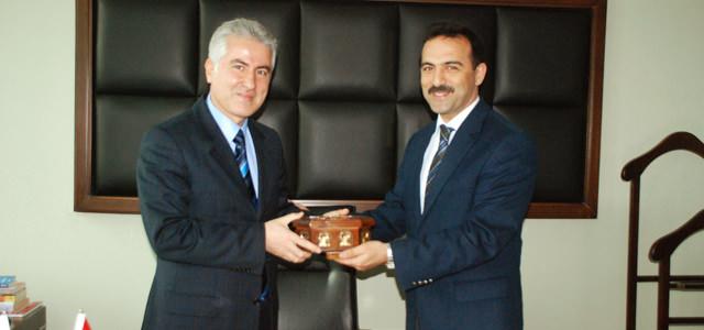 Belediye Park ve Bahçeler Müdürü Mahmut Bakır'a Teşekkür Ziyareti.