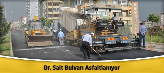 Dr. Sait Bulvarı Asfaltlanıyor