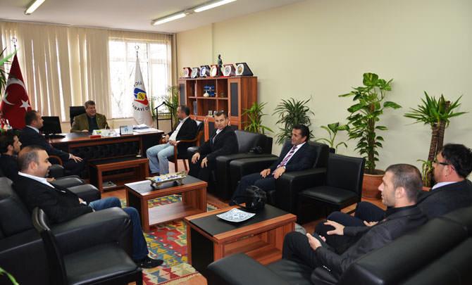 Çorlu Gazeteciler Derneği`nden TSO Başkanı Enis Sülün`e Ziyaret 01