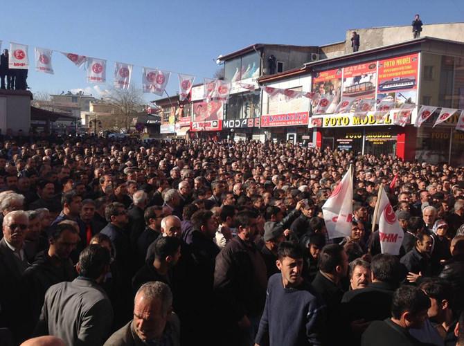 MHP Afşin'de Seçim Bürosunu Miting Havasında Açtı