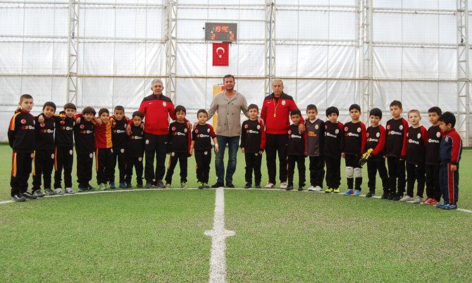 Durmaz, Galatasaray Futbol okulunu inceledi