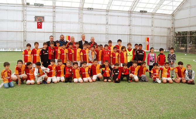 Kahramanmaraş Galatasaray Futbol Okulu'nda  kış kampı  heyecanı