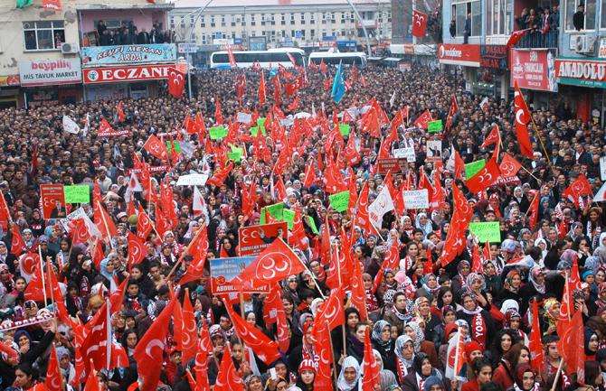 MHP'li Paksoy'dan Gövde Gösterisi