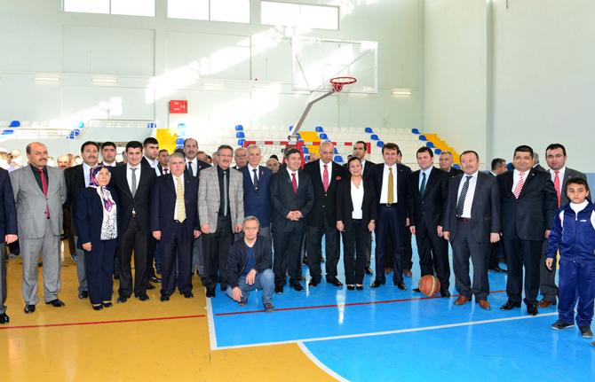 Kahramanmaraş Belediyesi Osman Sayın Spor Salonu Tanıtıldı