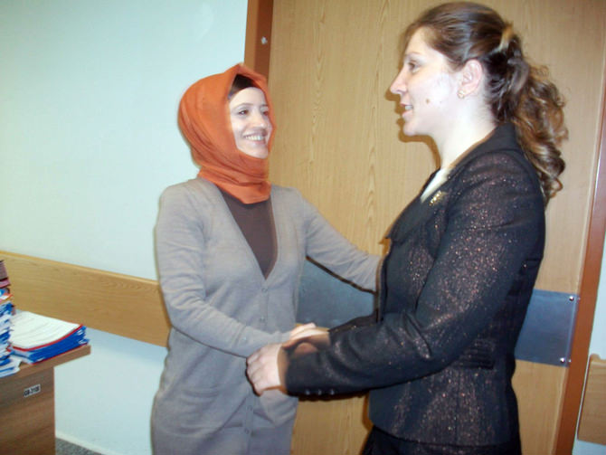 Nergiz, Tıp Bayramı'nı Çiçeklerle Kutladı
