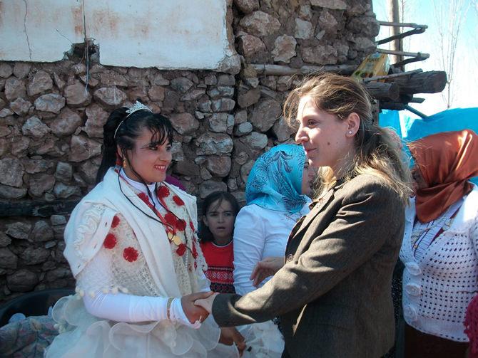 Bertiz'de Dulkadiroğlu Belediye Başkan Adayı Nergiz Coşkusu