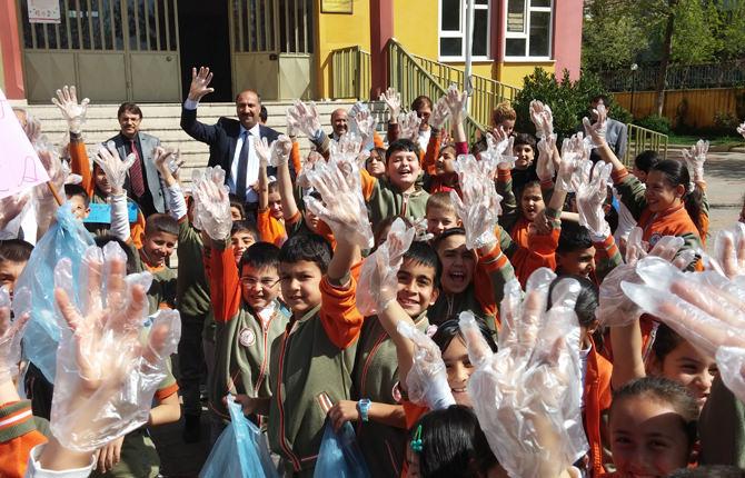 Okullarda Çevre Etkinliği Gerçekleştirildi