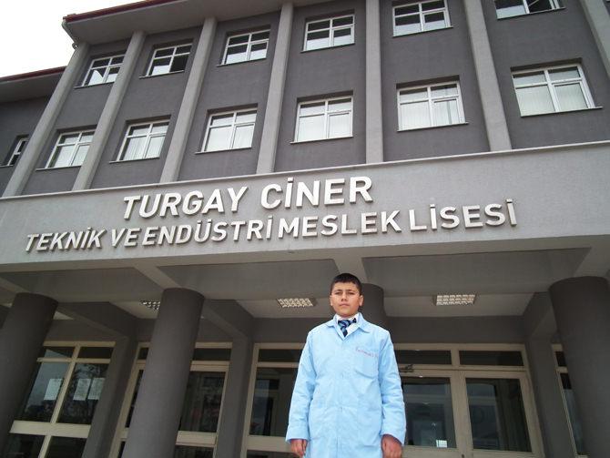 """""""Daha iyi bir okul"""" projesi Türkiye birincisi oldu."""