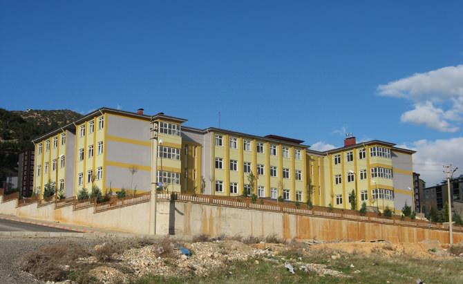 Ahmet Bayazıt İlkokulu Nerede?