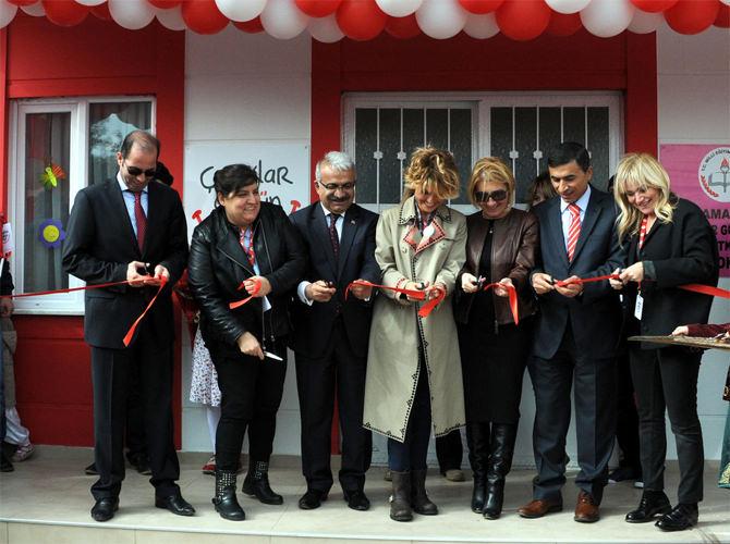 Gülben Ergen Kahramanmaraş'ta Anaokulu Açtı