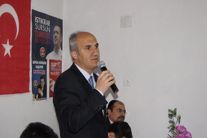 Dereli Mahallesi AK Parti'li Necati Okay'ı Bağrına Bastı !