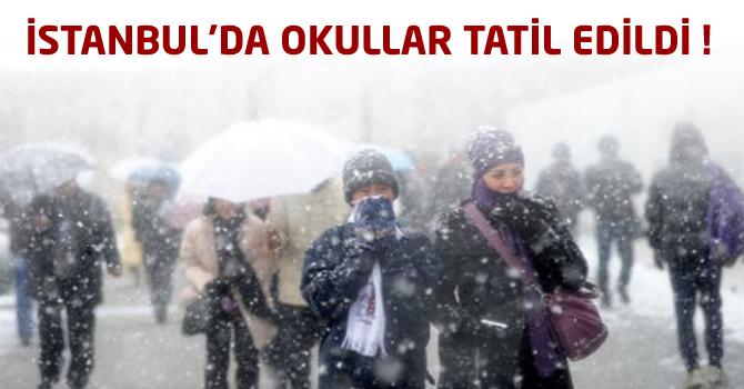 Kar Yağışı Nedeniyle İstanbul'da Okullar Tatil Edildi !