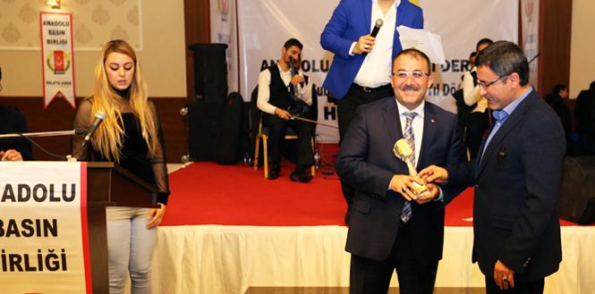 Başkan Güven'e Yılın Belediye Başkanı Ödülü…
