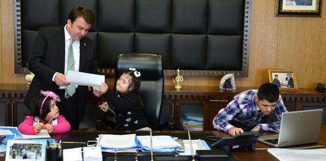 Down Sendromlu Çocuklardan Başkan Erkoç'a Ziyaret