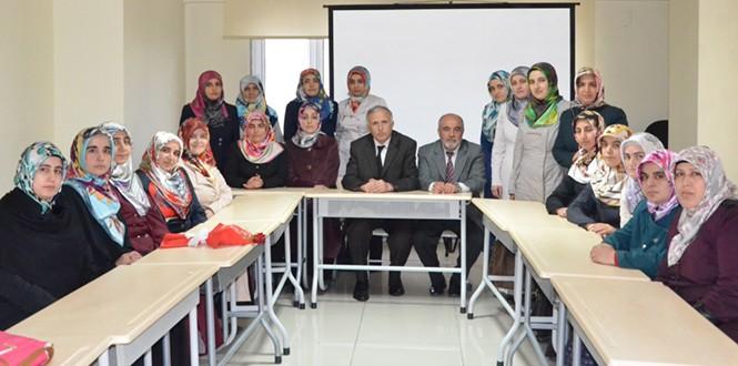 Kahramanmaraş'ta Kuran Gönüllüleri Eğitim Kursunu Başarıyla Tamamladı