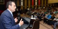 """Mahir Ünal KSÜ'de """"Yeni Anayasa ve Başkanlık Sistemi"""" Konulu Konferans Verdi"""