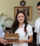 Trap Dünya İkincisi ve Türkiye Rekortmeni Safiye Sarıtürk Rektör Deveci'yi Ziyaret Etti