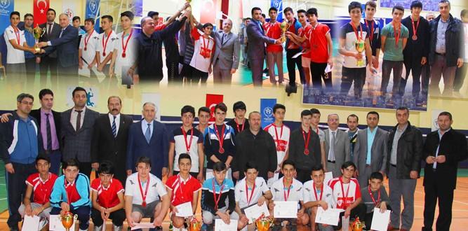 Kahramanmaraş'ta Badminton'da Dereceye Girenler