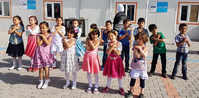Unicef Suriye Okulunda Bayram Şenliği…
