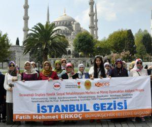 Büyükşehir Belediyesi Bayanlara İstanbul'u Gezdirdi