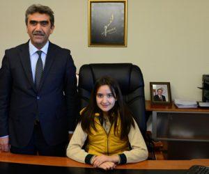 Akedaş Ortaokulu öğrencisi Hayrunnisa Çam KSÜ Rektörü oldu