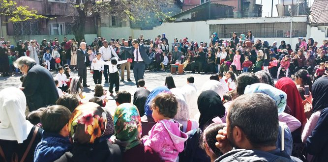İstiklal İlkokulu 23 Nisan'ı Mahalleliyle Kutladı