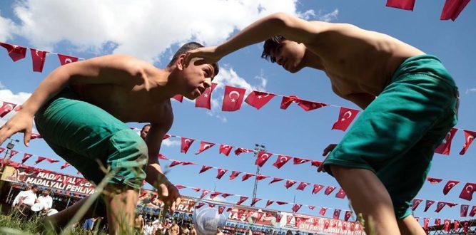 Kahramanmaraş Ülkü Ocakları'ndan Güreş Festivali ve Geleneksel Spor Gösterileri