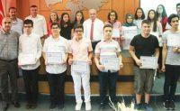 Kahramanmaraş'ta LGS'de 500 tam puan alan 15 öğrenci altınla ödüllendirildi