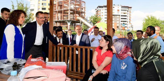 Başkan Güngör Elbistan'da Gezi Ve İncelemelerde Bulundu