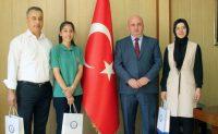 Millî Eğitim Müdürü Cemal Yılmaz'dan Türkiye 2. si öğrenciye ödül