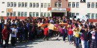 Şahinkayası ilkokulu ve ortaokulundan Mehmet Vakfına Kermes