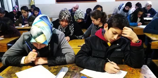 "Osmangazi Ortaokulunda ""Ailemle okuyorum"" etkinliği"