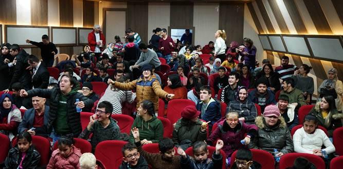 Özel Çocuklara Sinema Filmi