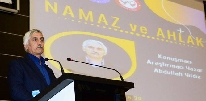 KSÜ'de 'Namaz ve Ahlak' Konulu Konferans Verdi