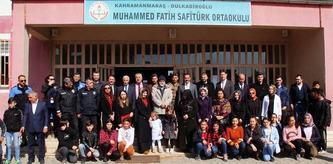 Şehit Polis Ömer Faruk Sayıl'ın ismi kütüphaneye verildi