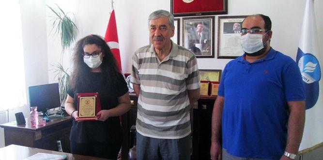 Özel Yıldız LGS Türkiye Birincisi Öğrencisini Ödüllendirdi