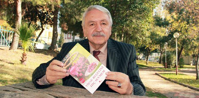 Eğitimci Zekeriya Çakabey'in İlk Kitabı Okuyucularıyla Buluştu