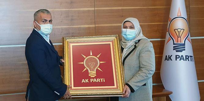 Milletvekili Öçal, AKP-MYK Üyesi Karakoç'u Ziyaret etti