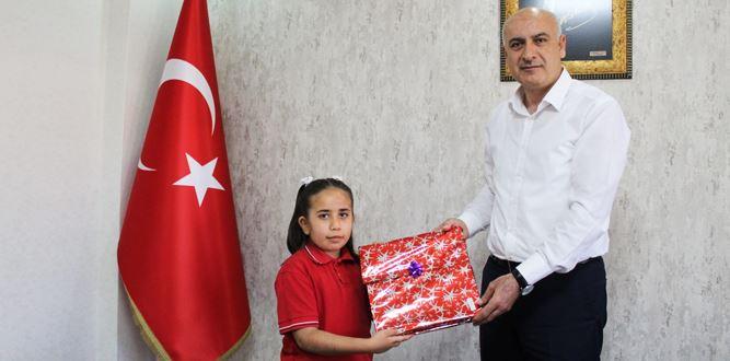 ''Türkoğlu Yazar Dünya Okur'' projesi ödül sahipleri