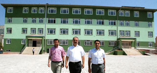 Abdurrahim Karakoç Ortaokulu öğrencilerini bekliyor
