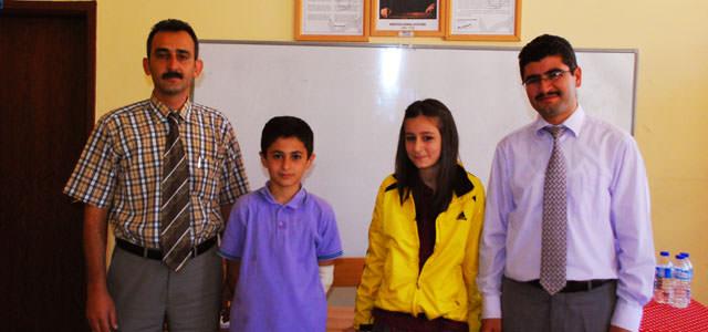 Ahmet Bayazıt Ortaokulunda Meclis Başkanı seçildi