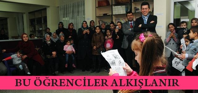 Ahmet Bayazıt İlkokulunda velilerin önünde okuma resitali