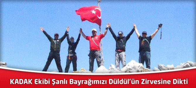 Düldül Dağının Zirvesine Türk Bayrağı Diktiler