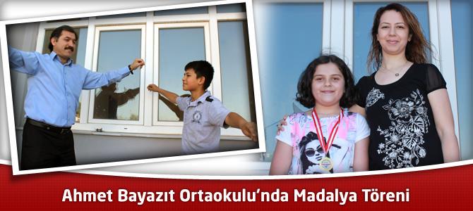 Ahmet Bayazıt Ortaokulu'nda Madalya Töreni