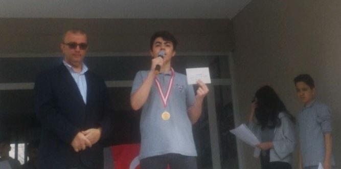 Kazandığı Ödülü Mehmetçik Vakfına Bağışlayan Kocaman Yürekli Çocuk